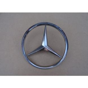 Emblema Frontal Grade Caminhão Mercedes LP 321 1111 1113 Original Usado