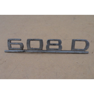 Emblema Mercedes MB 608 D Original Usado