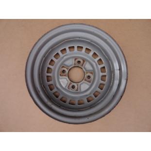 Roda Fusca Variant Tl 4 Furos Com Calombo Original Usada