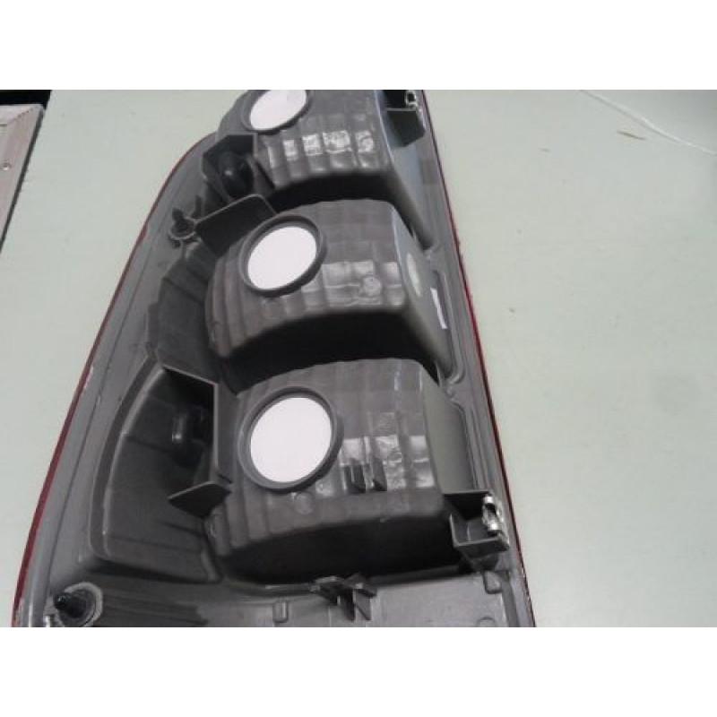 Lanterna Traseira Hilux 06 à 11 Direito