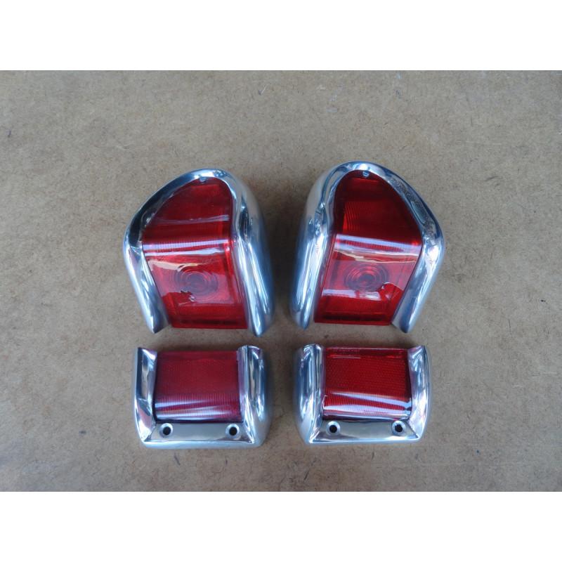 Lanternas Traseiras Ford Willys Rural e F-75 - Jogo
