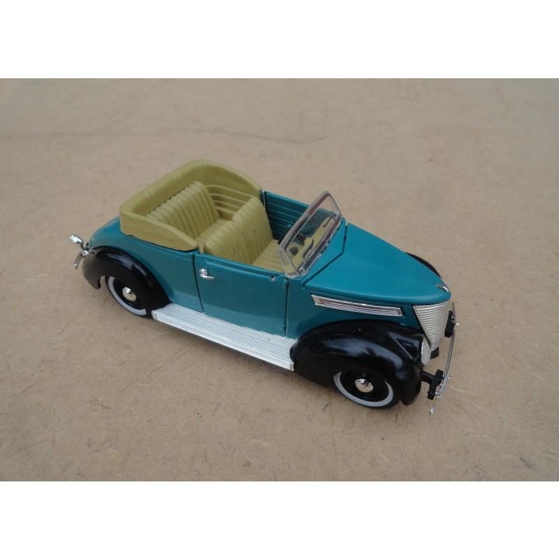 Miniatura Ford 1937 Corvertible Sedan