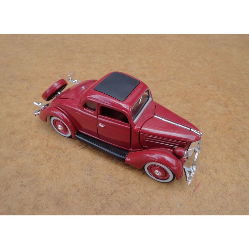 Miniatura Ford Deluxe 5 Window Coupe 1936 Vinho
